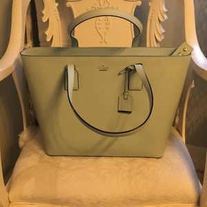 Kate Spade leather zippered tote or bag